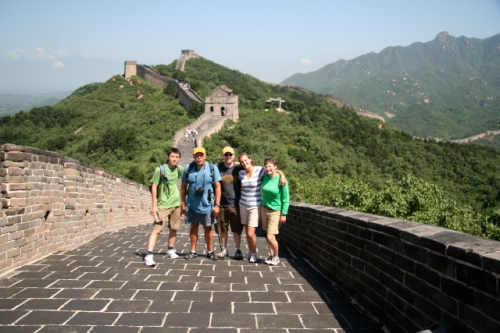 Wu Rei (a Kang PhD student), Tony, Spence, Colleen, and Arianne on the infamous wall near Badaling